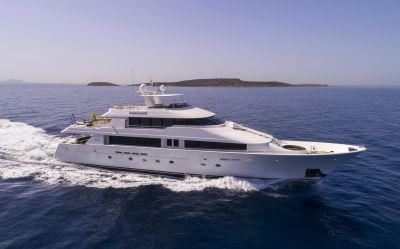 m/y endless summer yacht for charter sailing