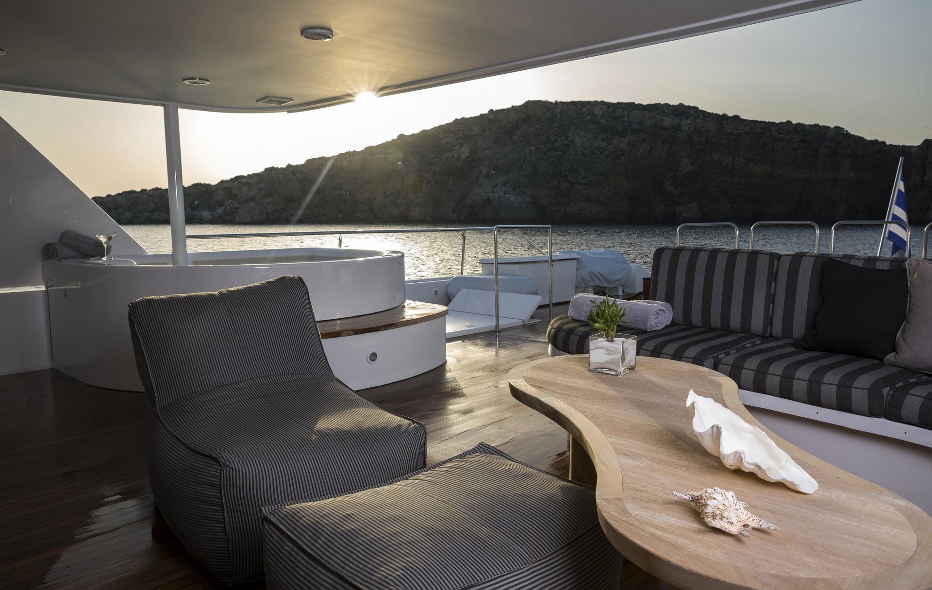 m/y endless summer yacht for charter deck area