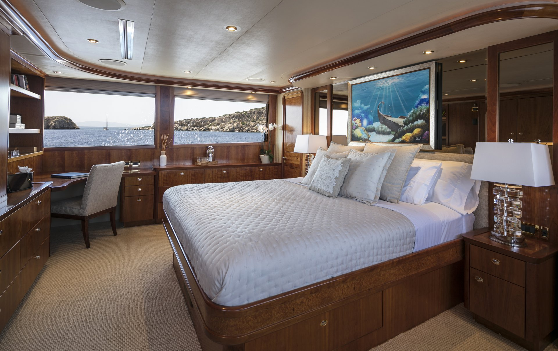 m/y endless summer yacht for charter double cabin bed