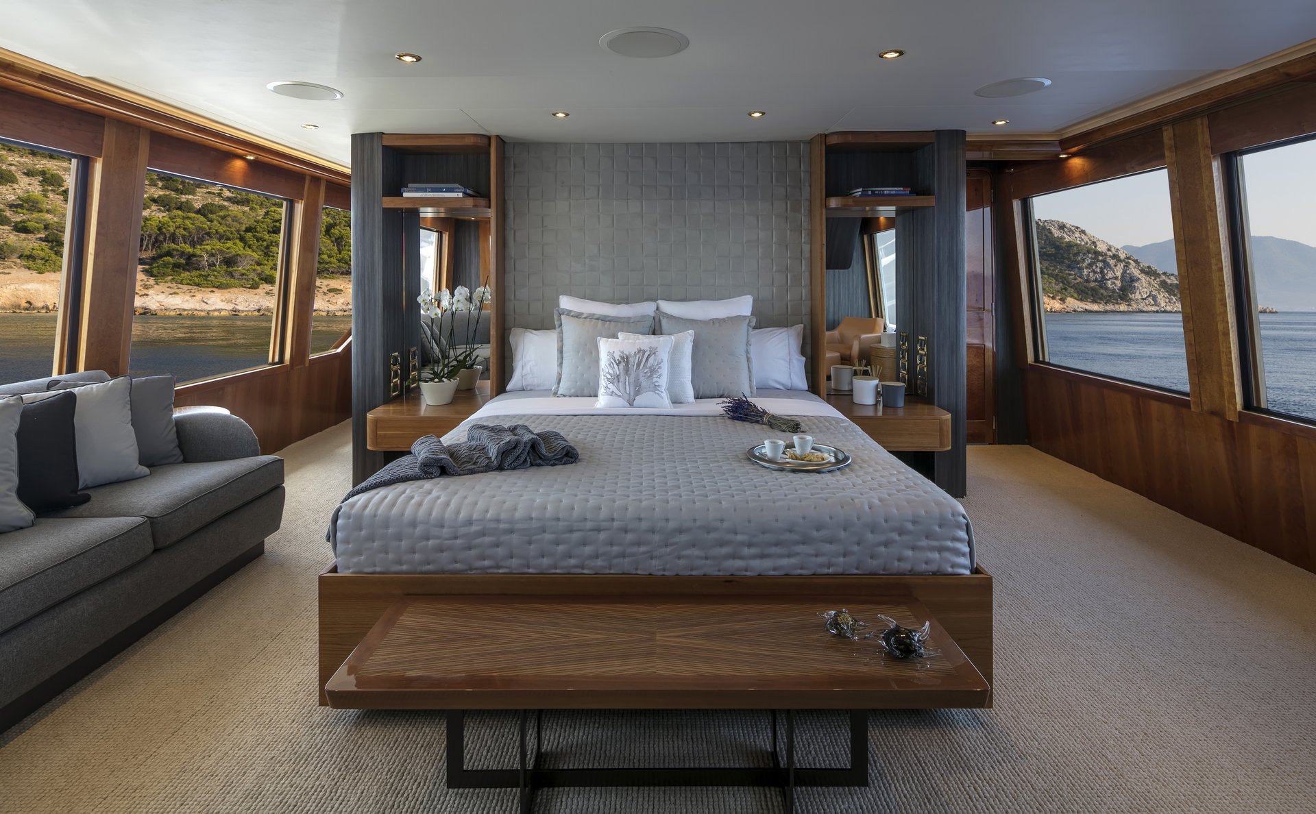 m/y endless summer yacht for charter stateroom