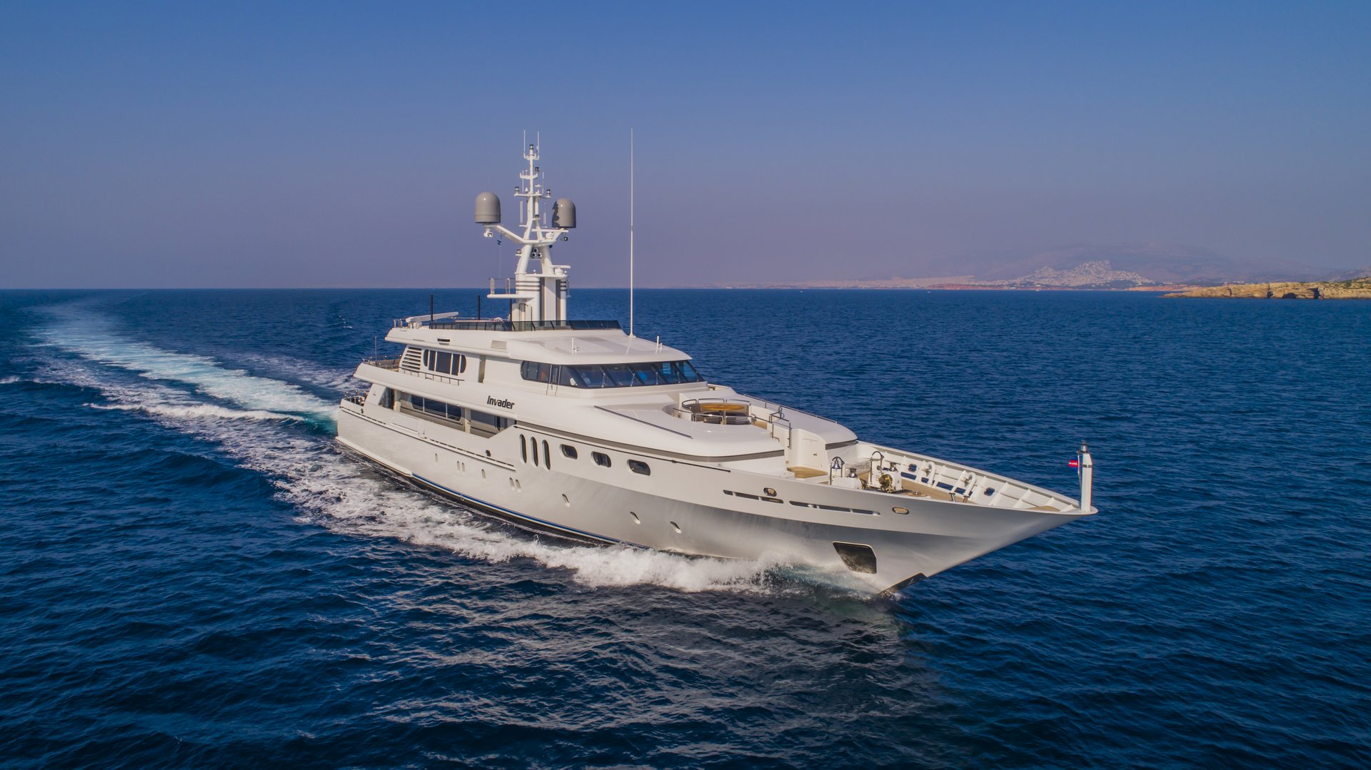 m/y invader yacht for charter view