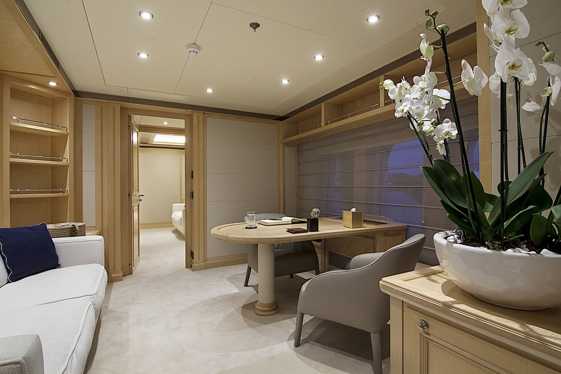 m/y invader yacht for charter study room