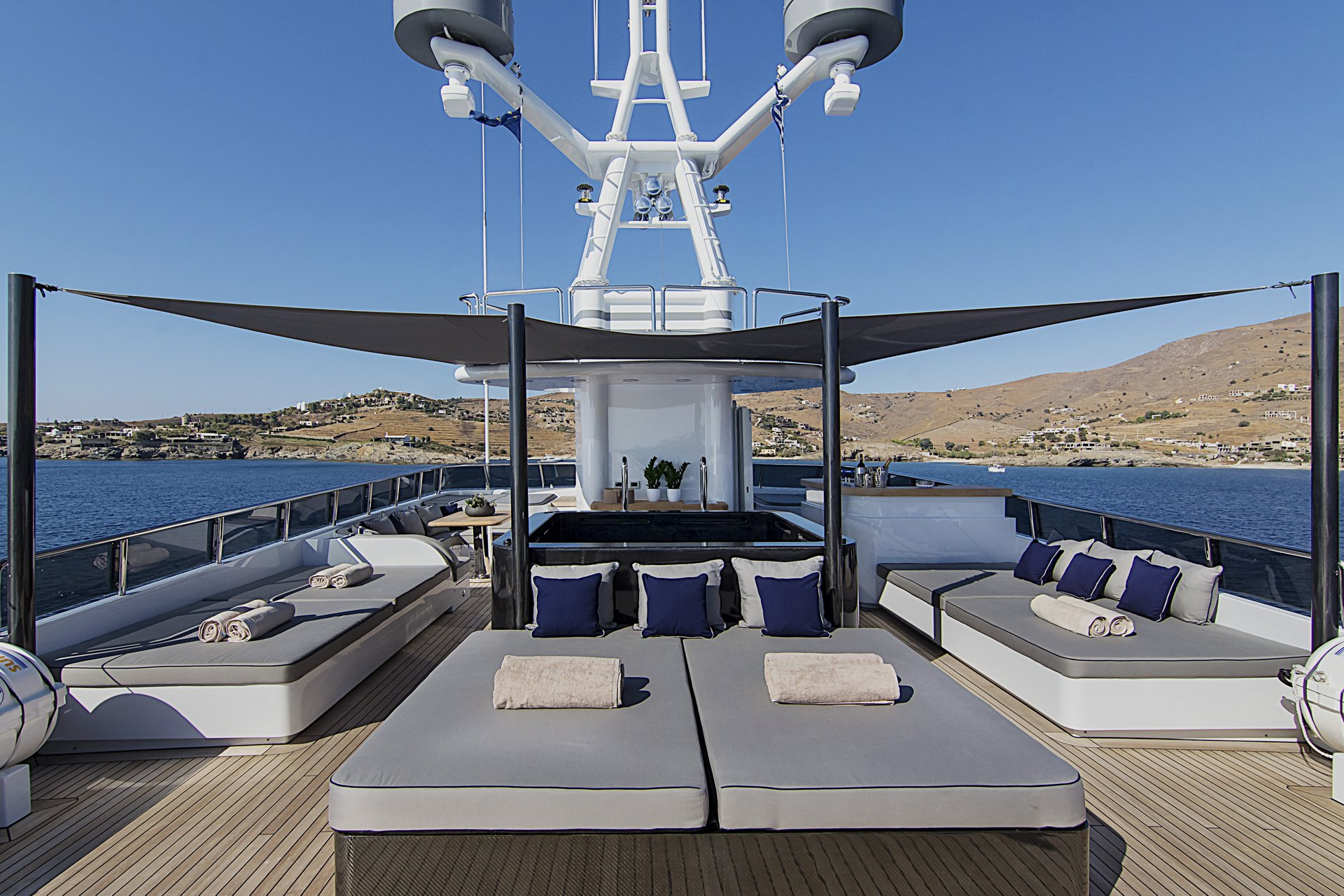 m/y invader yacht for charter deck lounging