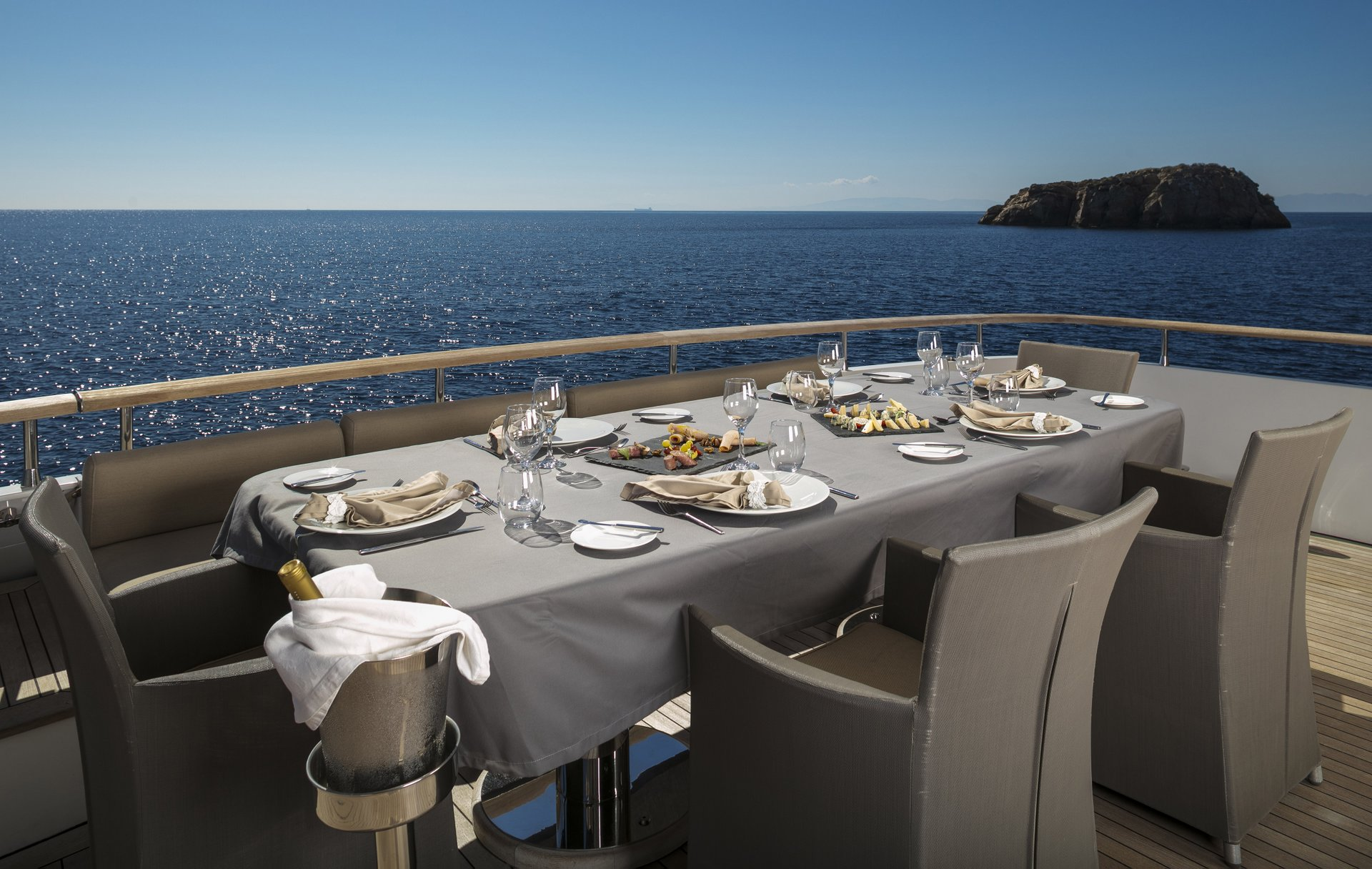 M/Y MABROUK yacht for charter outdoor dining