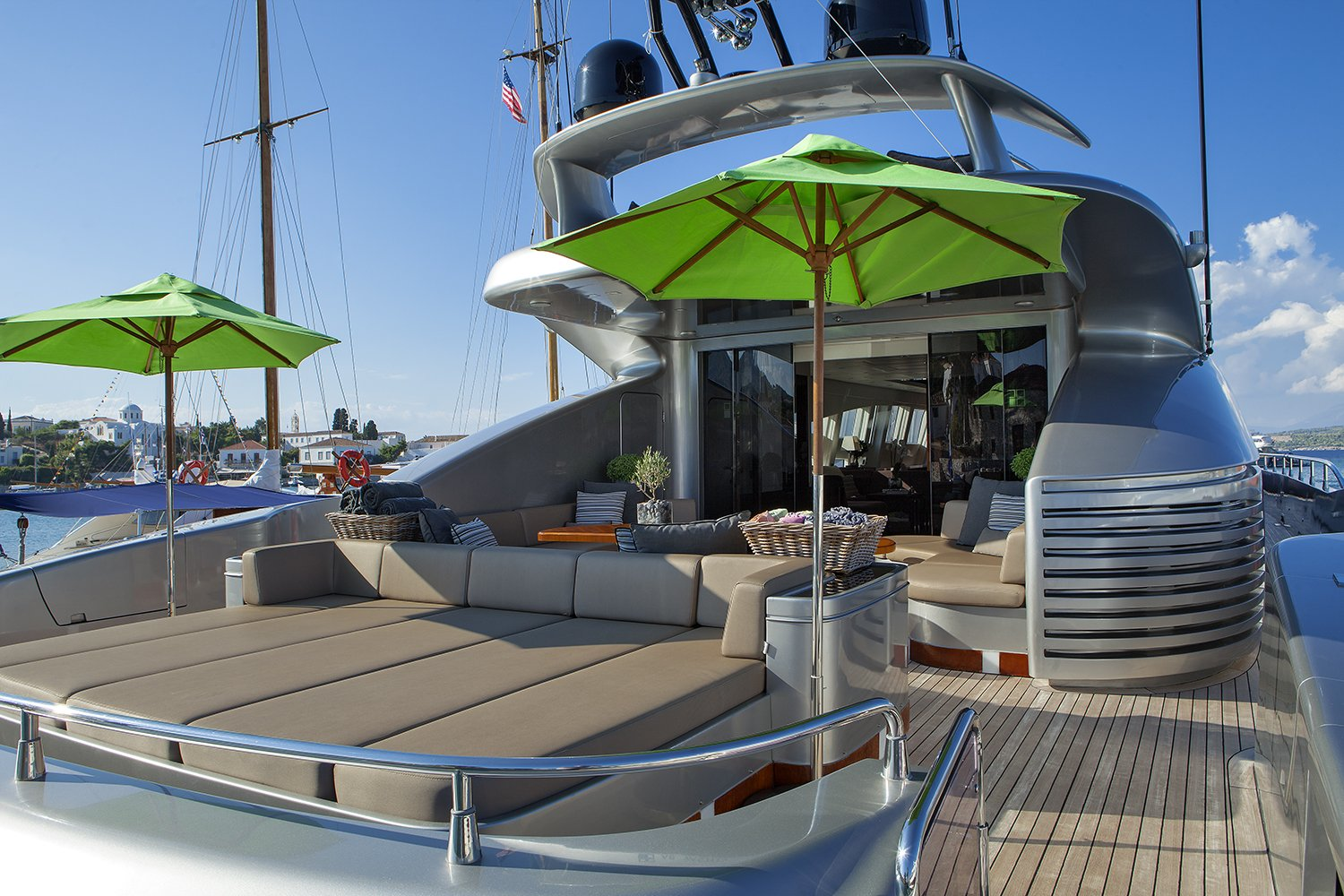 M/Y MY TOY yacht for charter sundeck