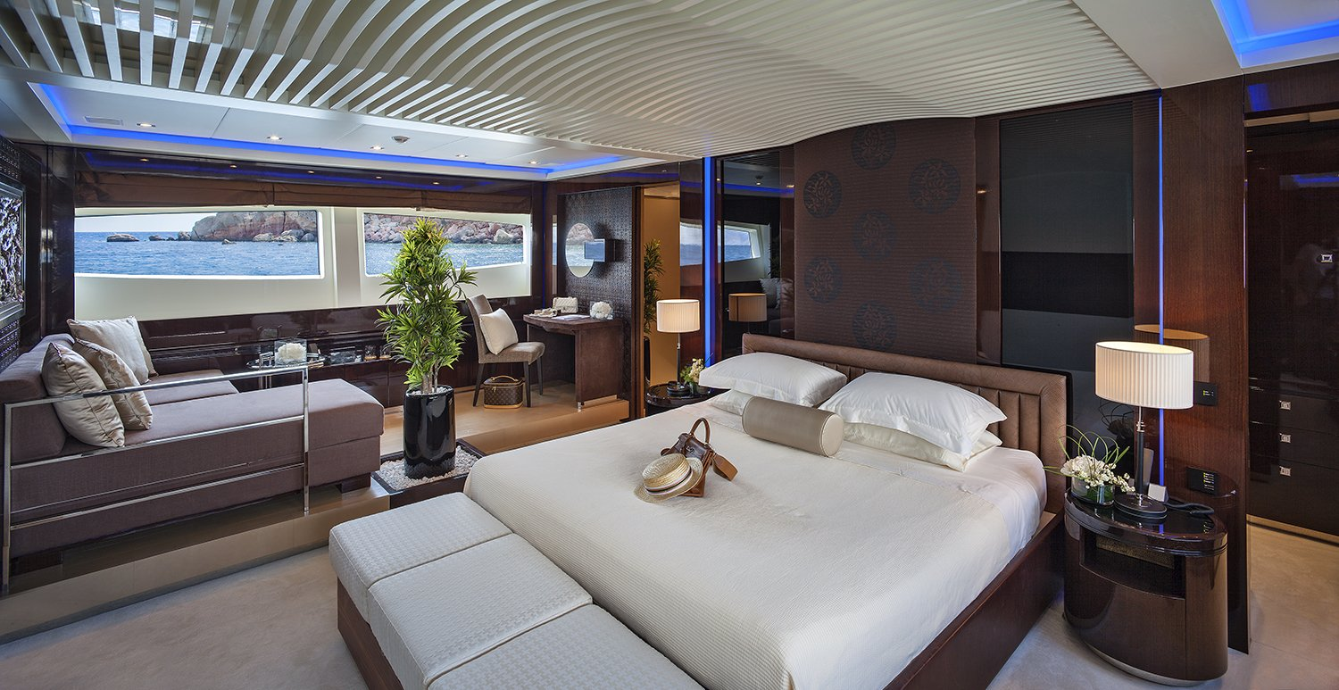 M/Y MY TOY yacht for charter master suite