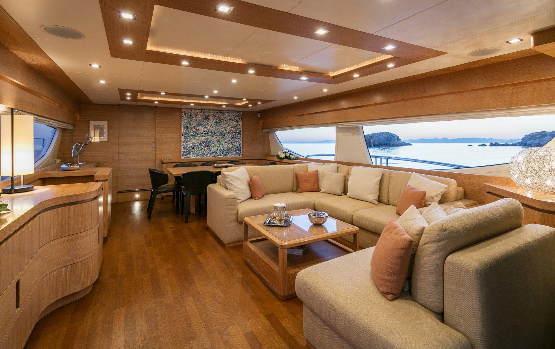 M/Y Mythos yacht for sale salon