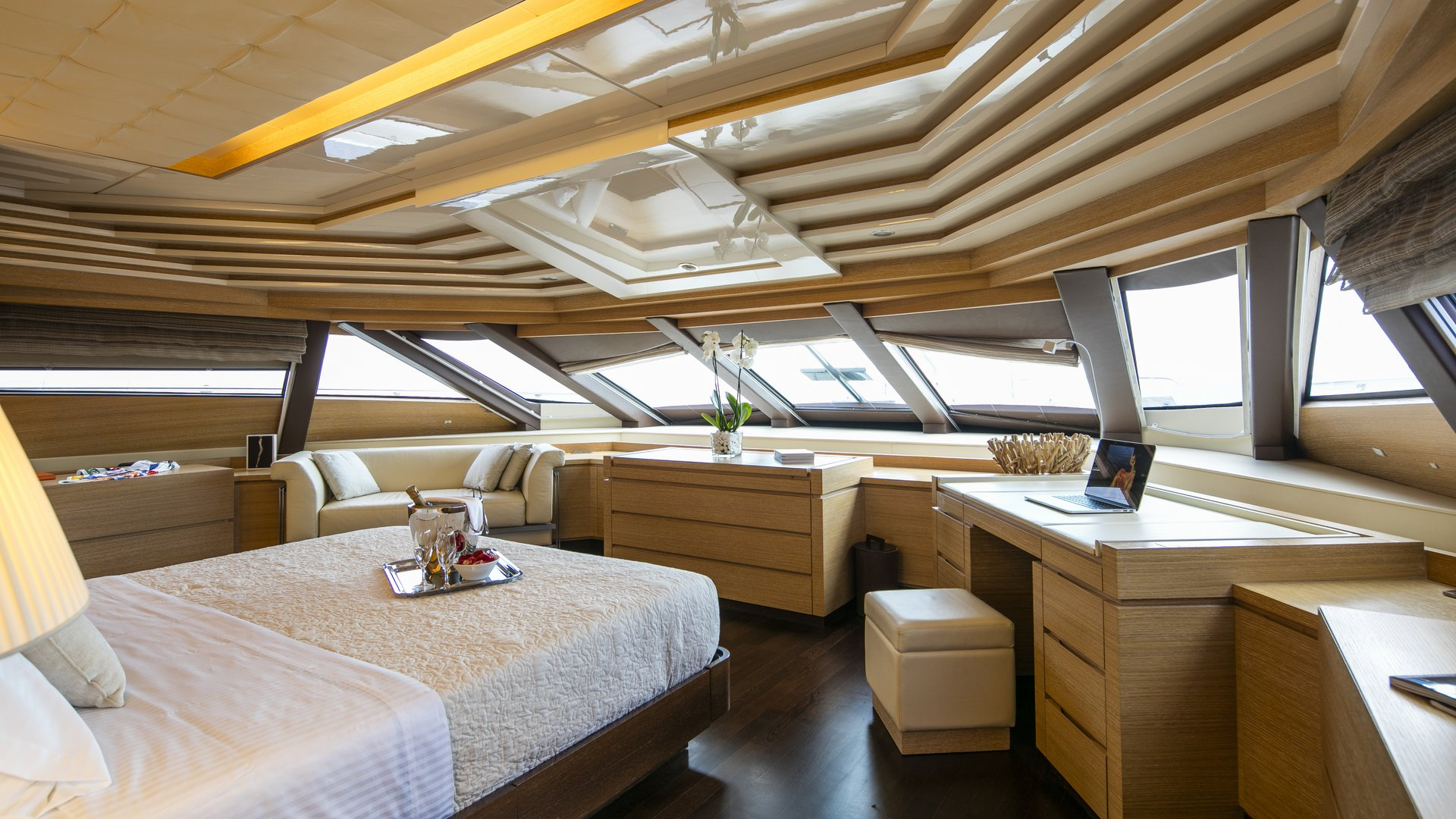 M/Y RINI yacht for charter master bedroom