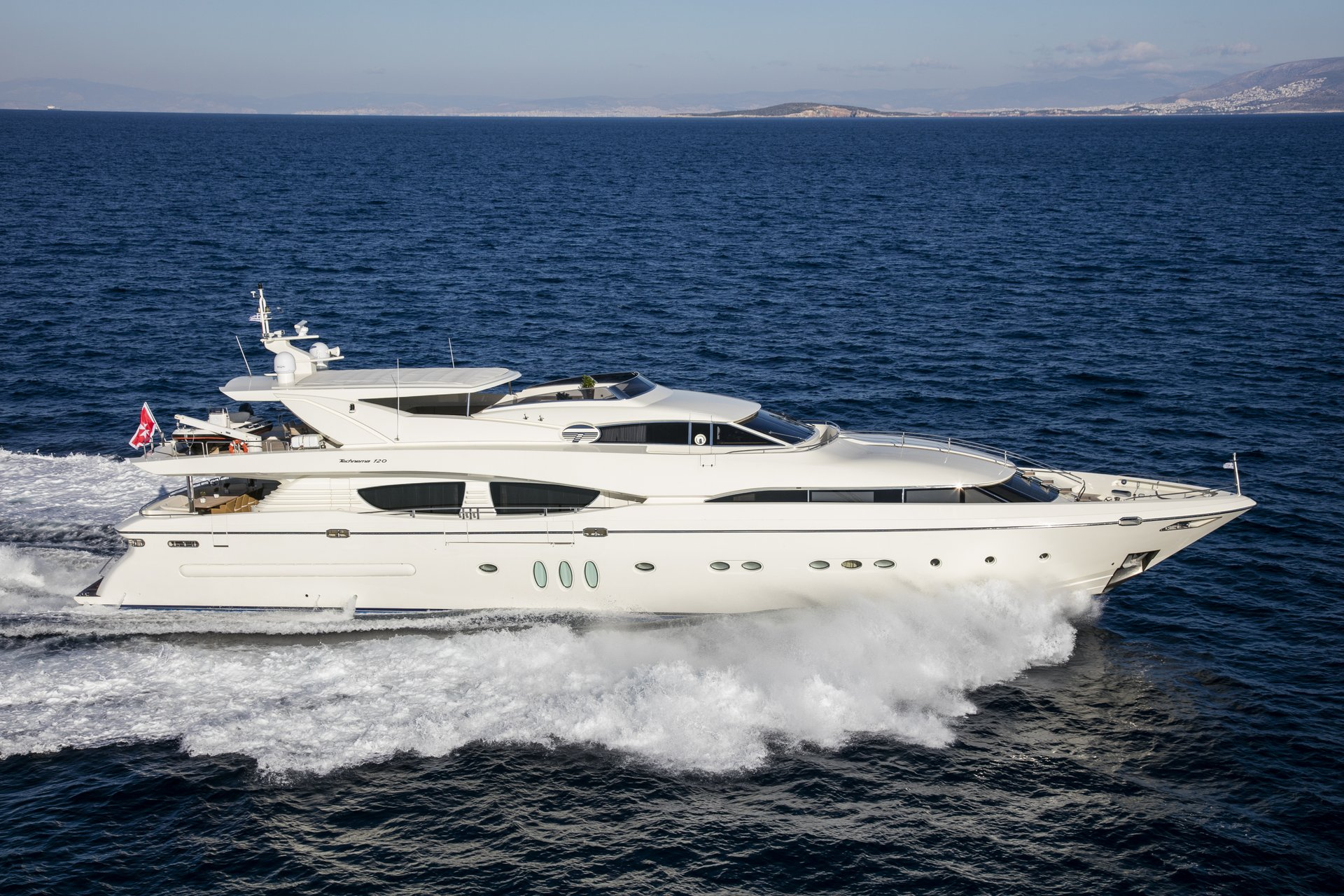 M/Y RINI yacht for charter sailing side view