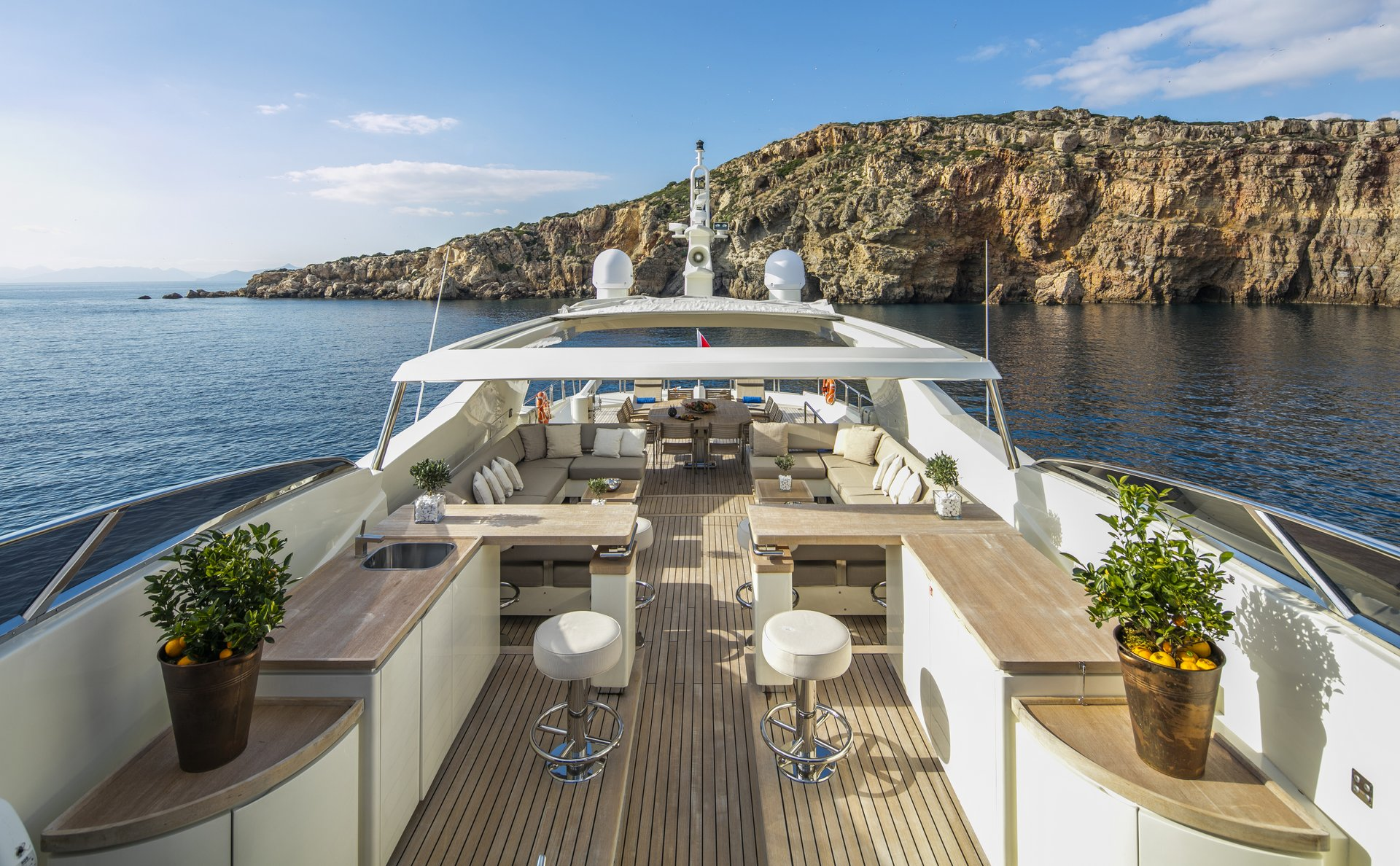 M/Y RINI yacht for charter deck entertainment