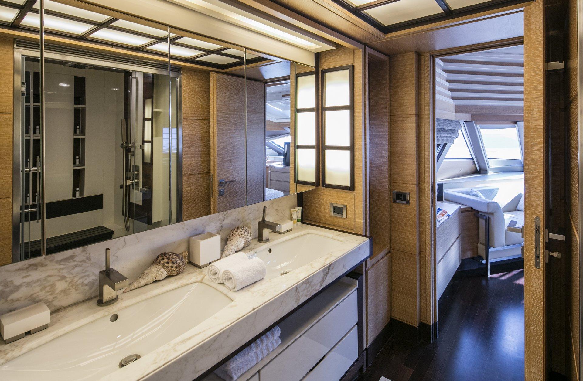 M/Y RINI yacht for charter bathroom