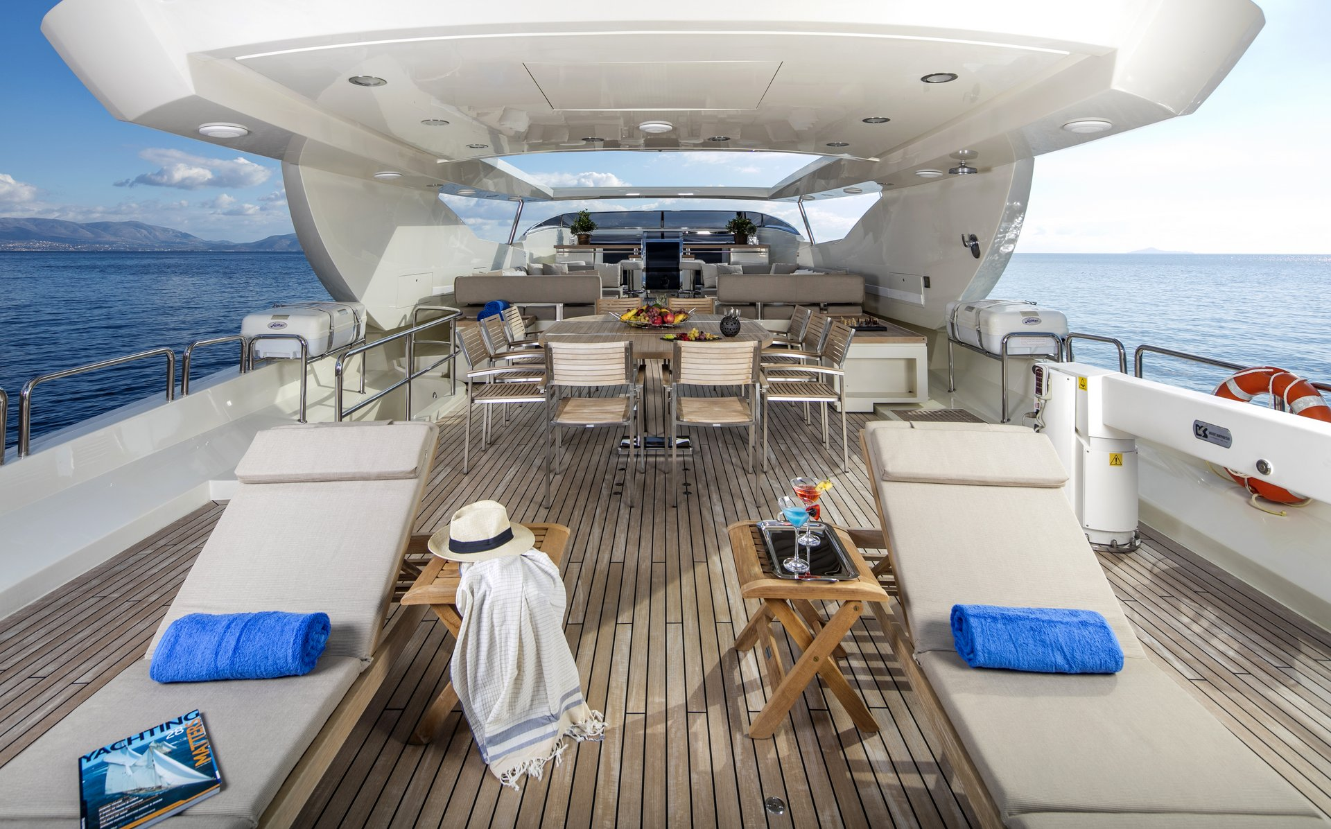 M/Y RINI yacht for charter sun deck