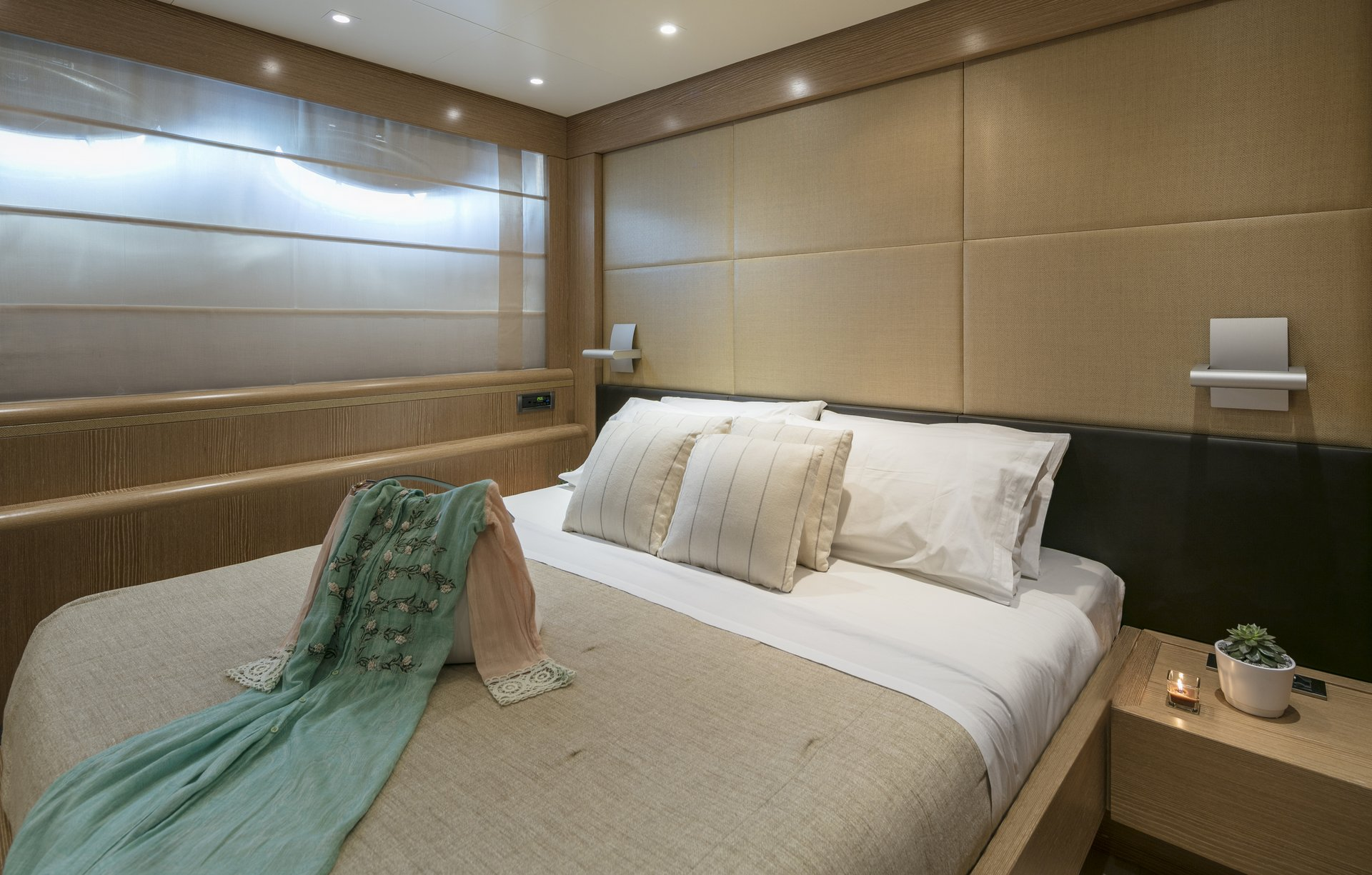 M/Y RINI V yacht for charter double bedroom