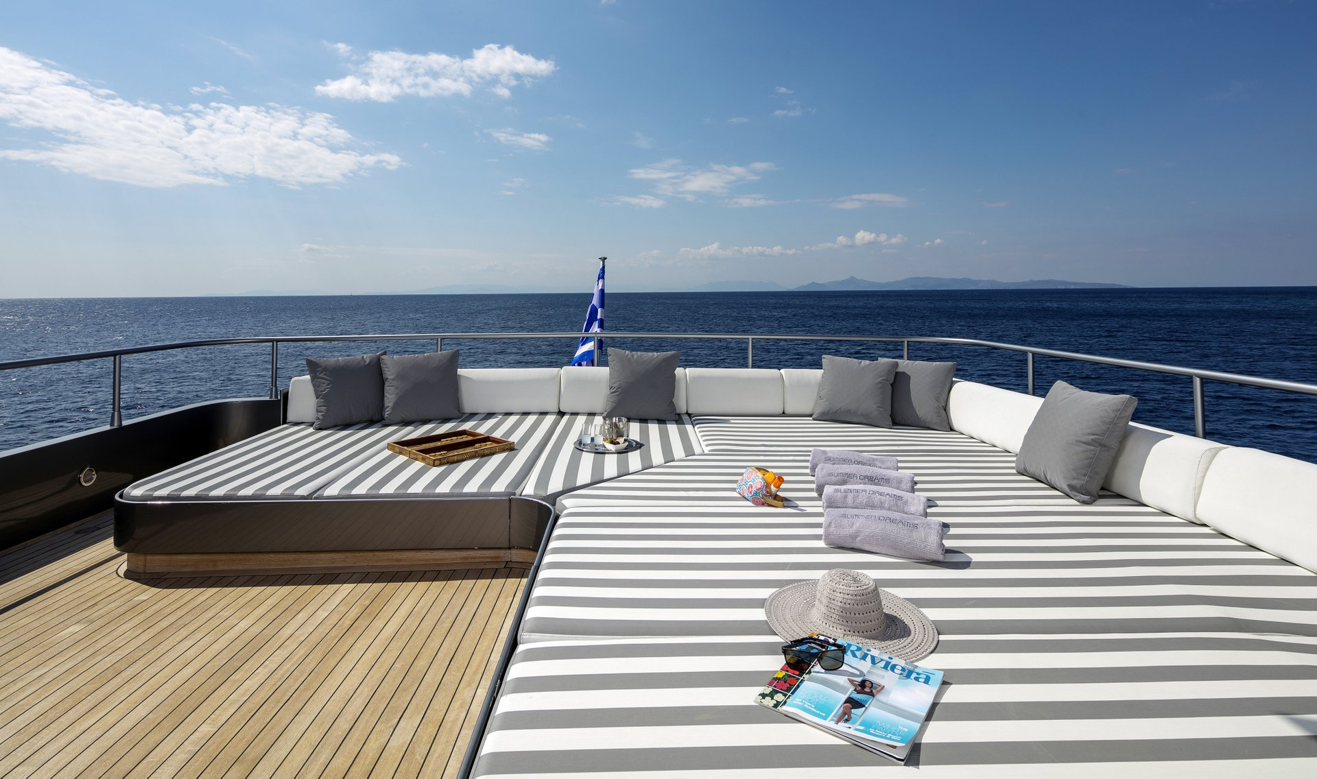 M/Y SUMMER DREAMS yacht for charter deck lounging area