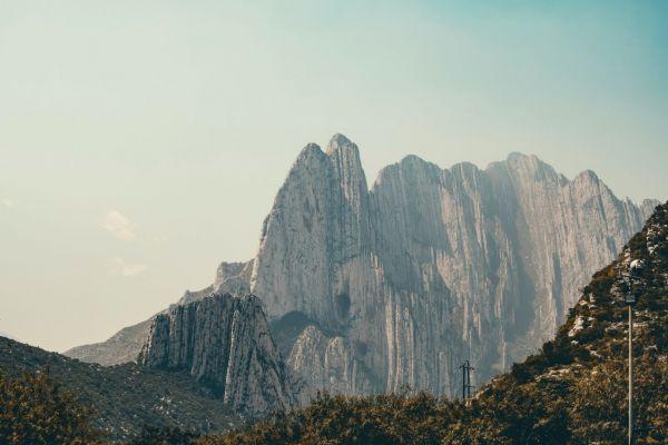 De la Husteco Mountains Mexico yacht charter
