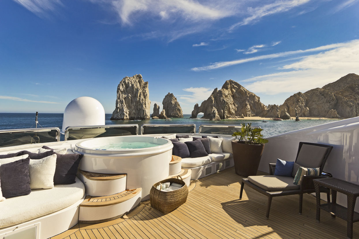 m/y azteca ii yacht for charter hot tub