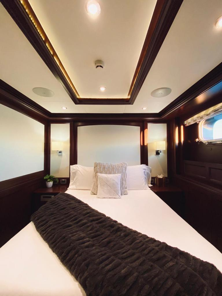 m/y samsara yacht for charter cabin bed