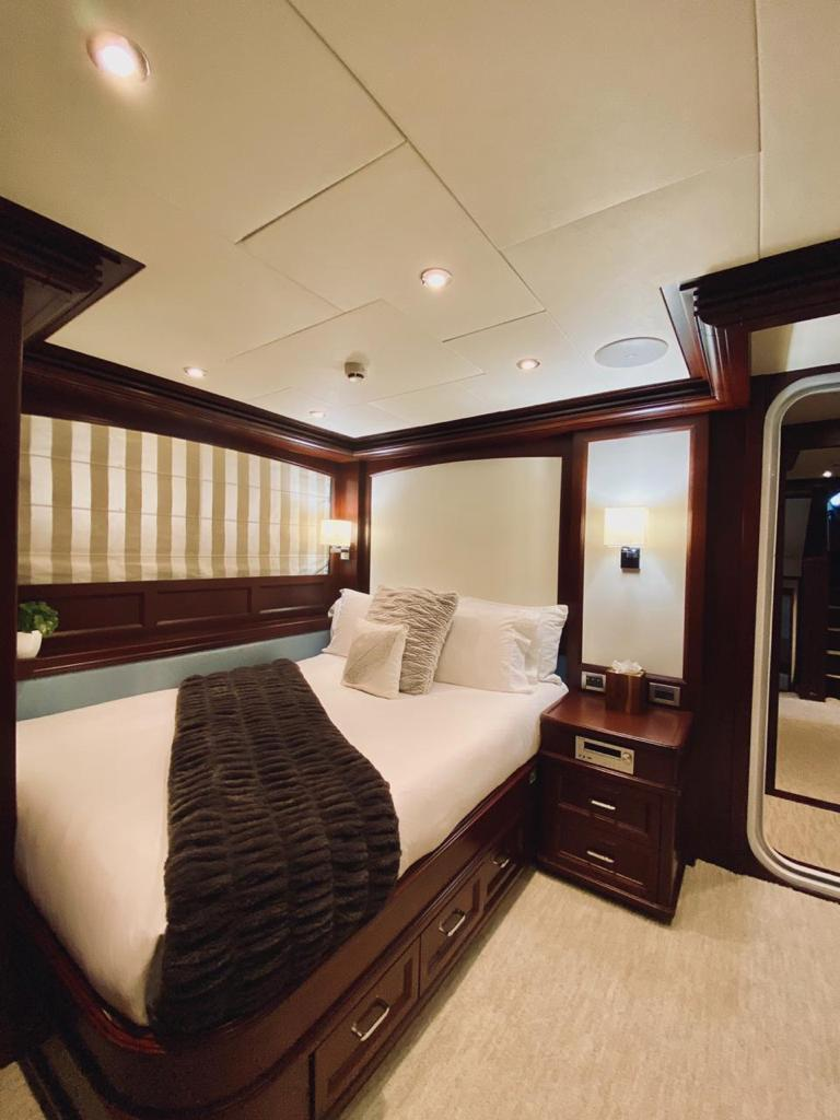 m/y samsara yacht for charter double cabin