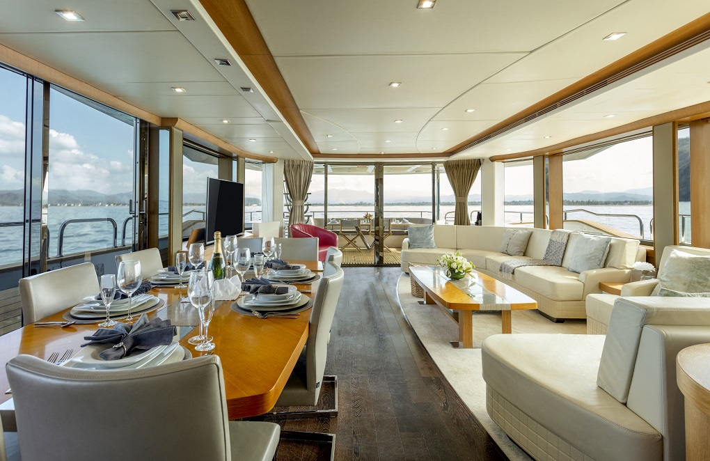 m/y kukureka yacht for charter living space