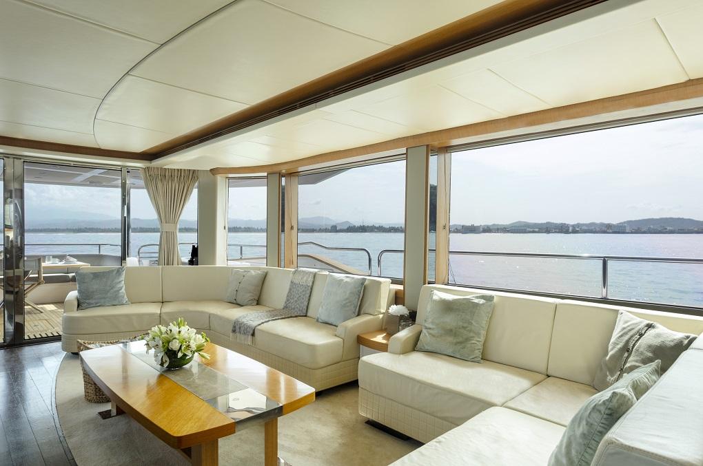 m/y kukureka yacht for charter indoor seating