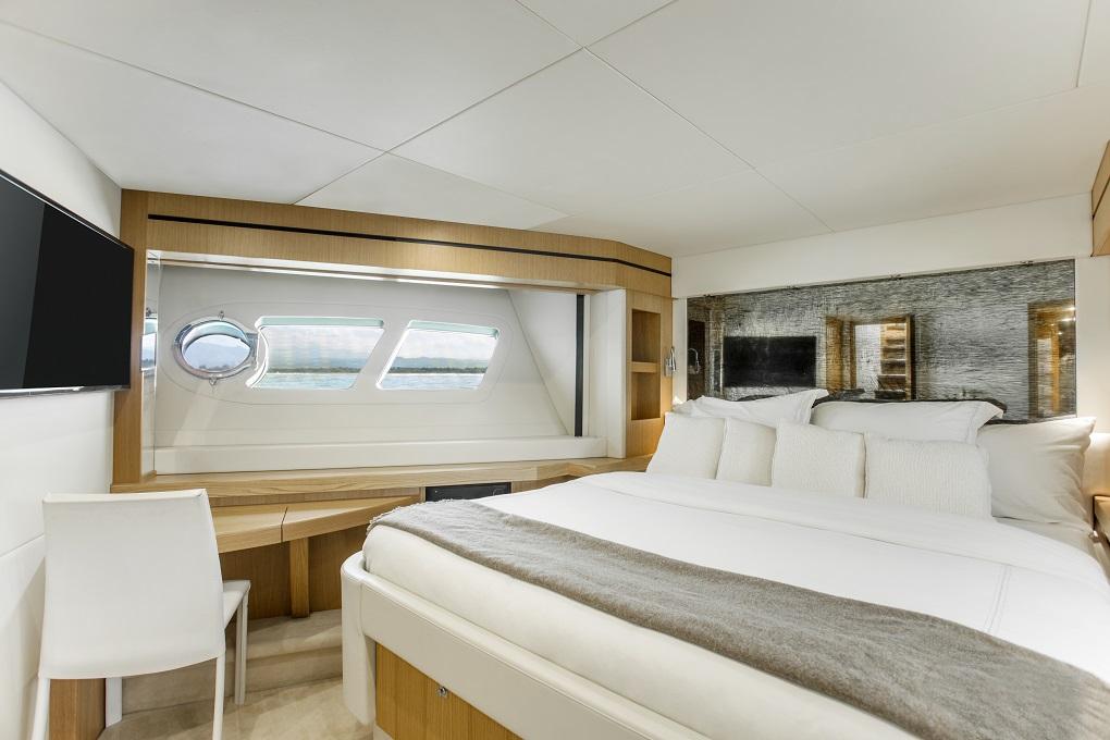 m/y kukureka yacht for charter mastersuite
