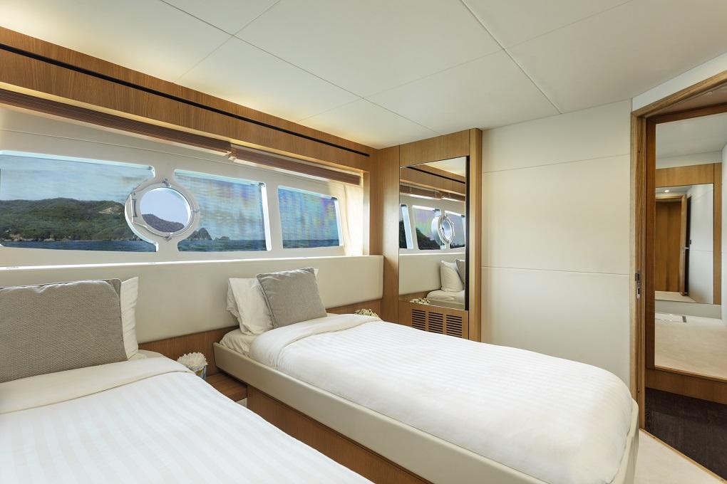 m/y kukureka yacht for charter double cabin