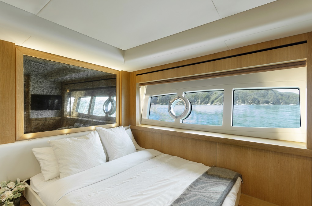 m/y kukureka yacht for charter cabin