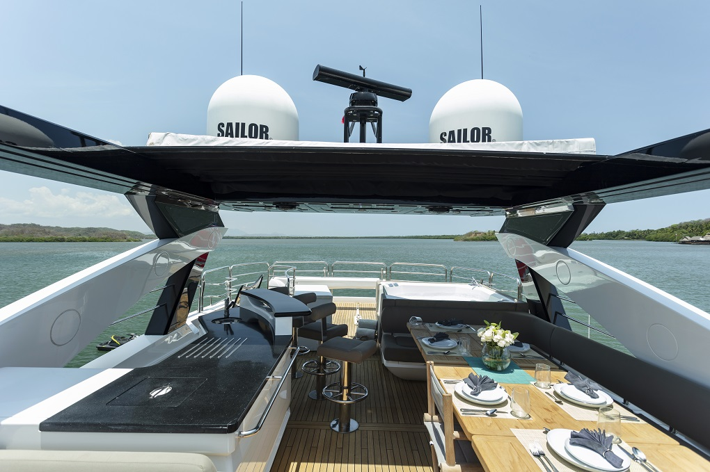 m/y kukureka yacht for charter outdoor cooking