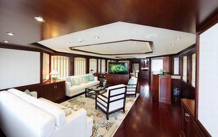 m/y samsara yacht for charter living room
