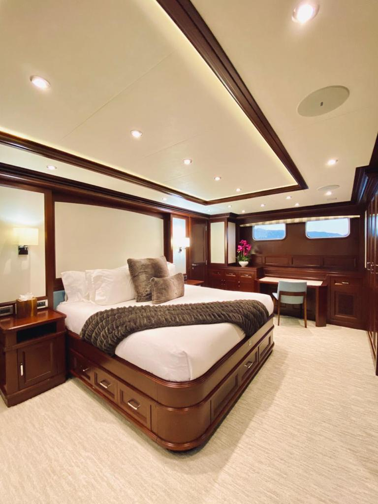 m/y samsara yacht for charter master suite