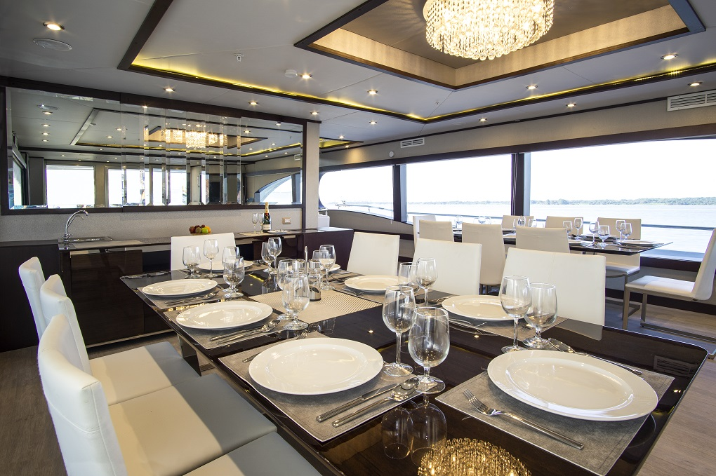 M/Y Grand Majestic yacht for charter dining table