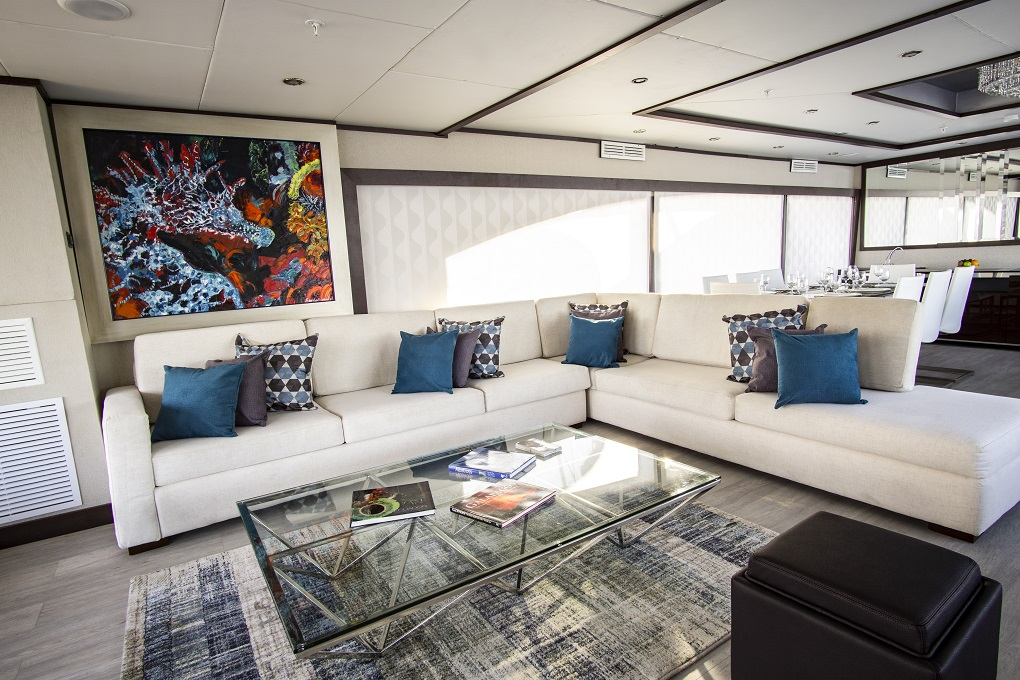 MY Grand Majestic yacht for charter living room