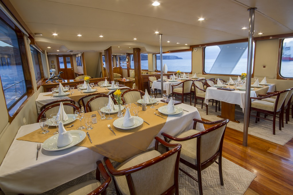 m/y integrity yacht for charter indoor dining