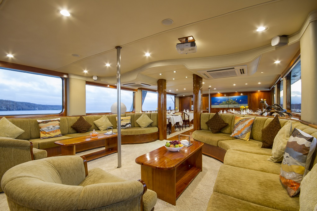 m/y integrity yacht for charter living room