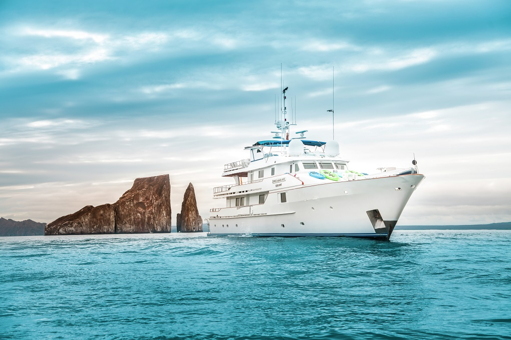 M/Y STELLA MARIS yacht for charter at anchor