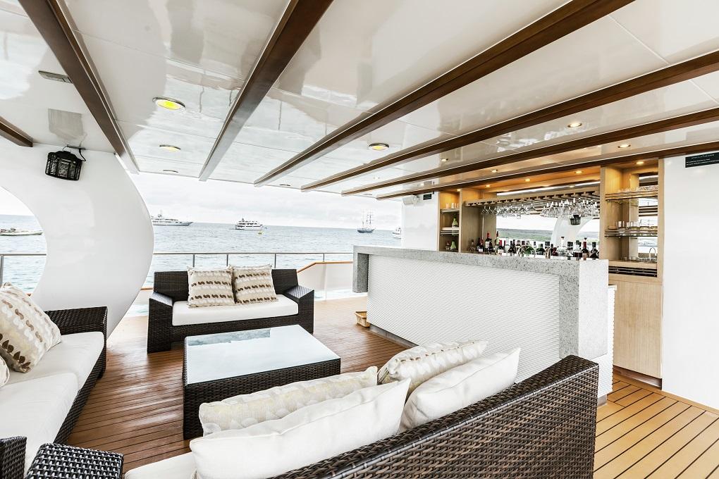 M/Y Stella Maris yacht for charter bridge deck bar