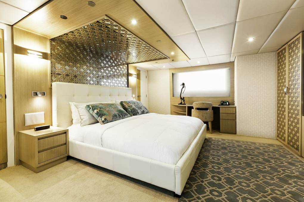 M/Y Stella Maris yacht for charter master cabin
