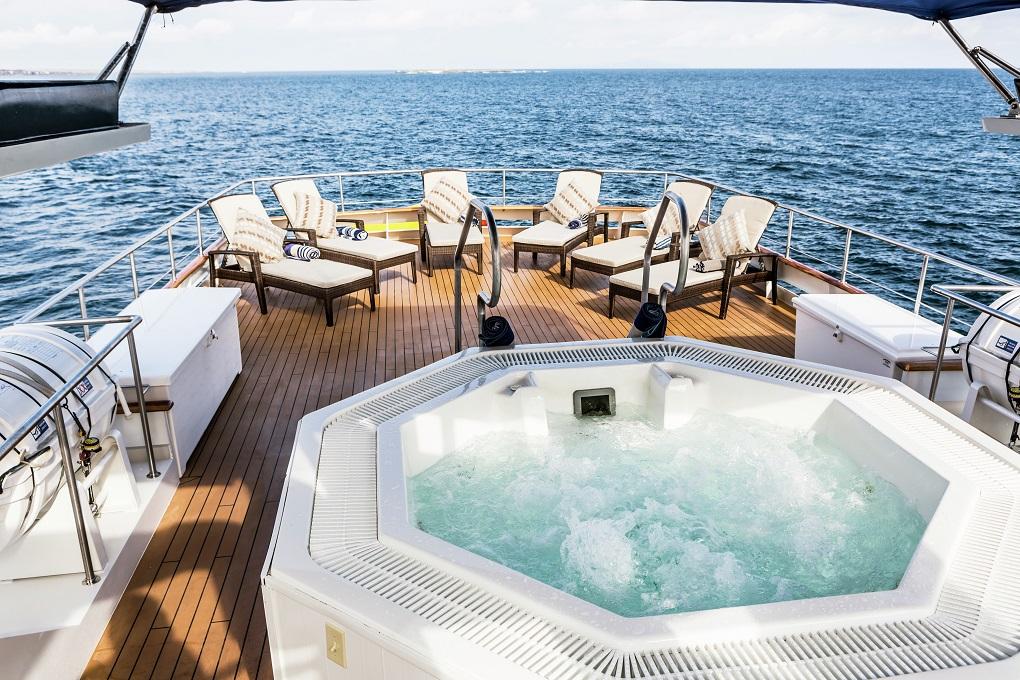 M/Y Stella Maris yacht for charter sun deck jacuzzi