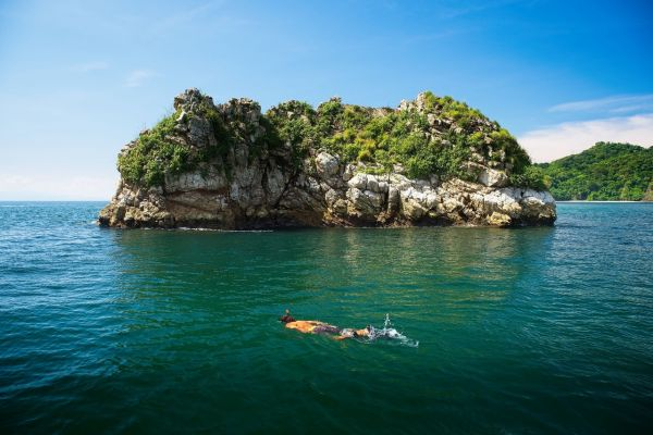 Isla Tortuga on a Costa Rica Yacht Charter