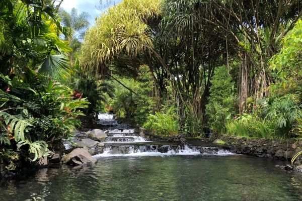 Tabacan Hot Springs on a Costa Rica Yacht Charter