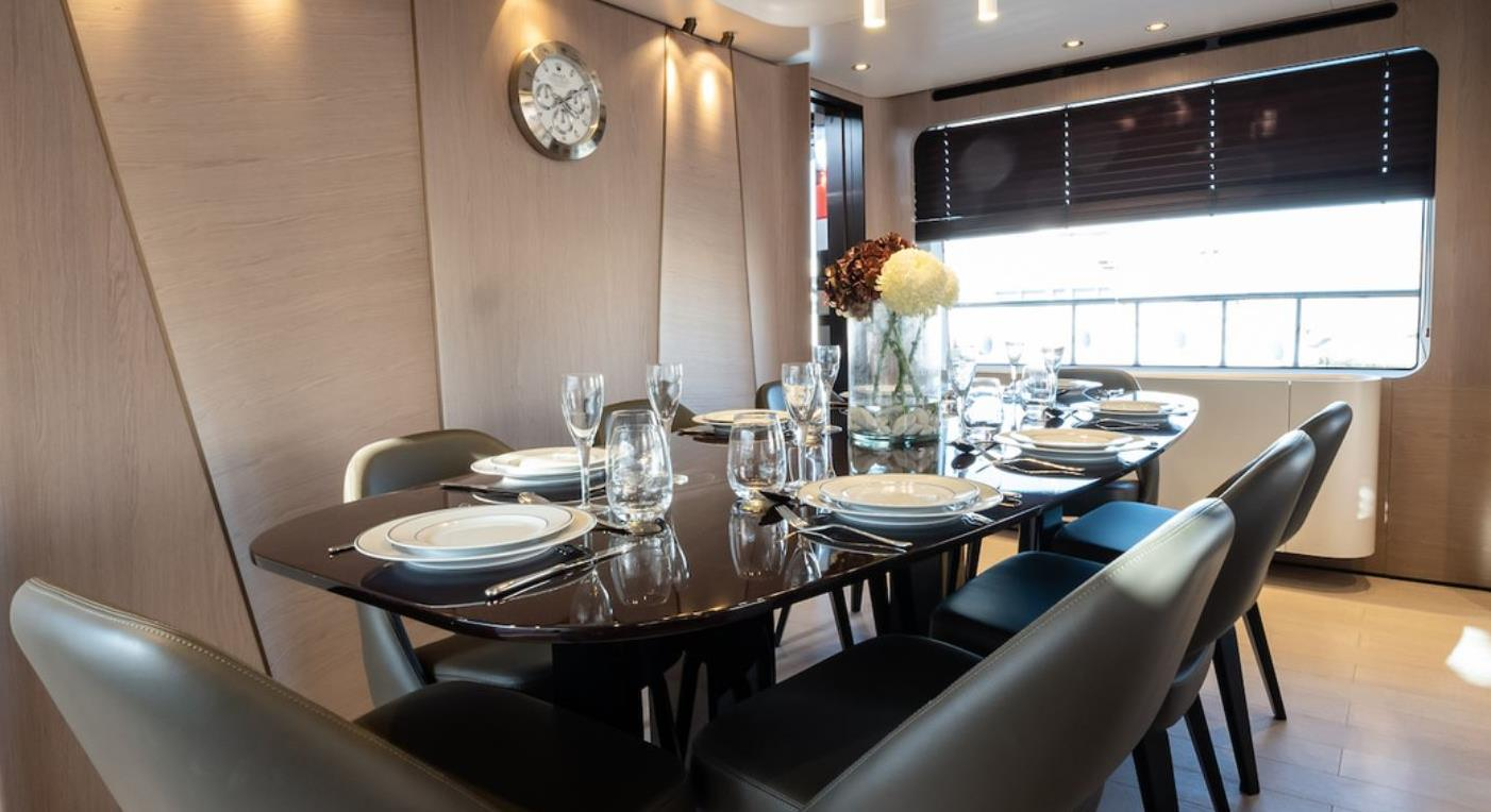 M/Y WONDERLIGHT yacht for sale dining table