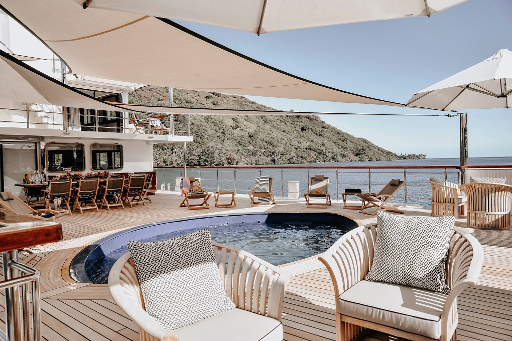 Deck Seating Aboard M/Y LATITUDE Yacht for Charter