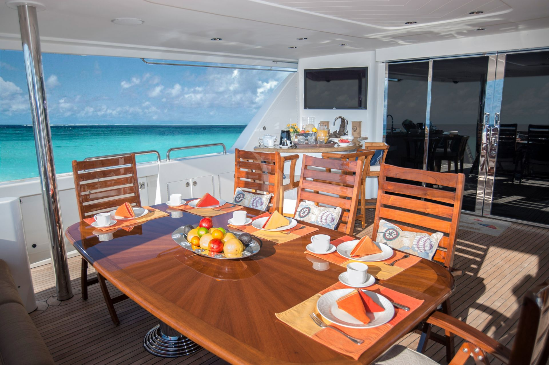 Breakfast table aboard M/Y WILD KINGDOM yacht for charter