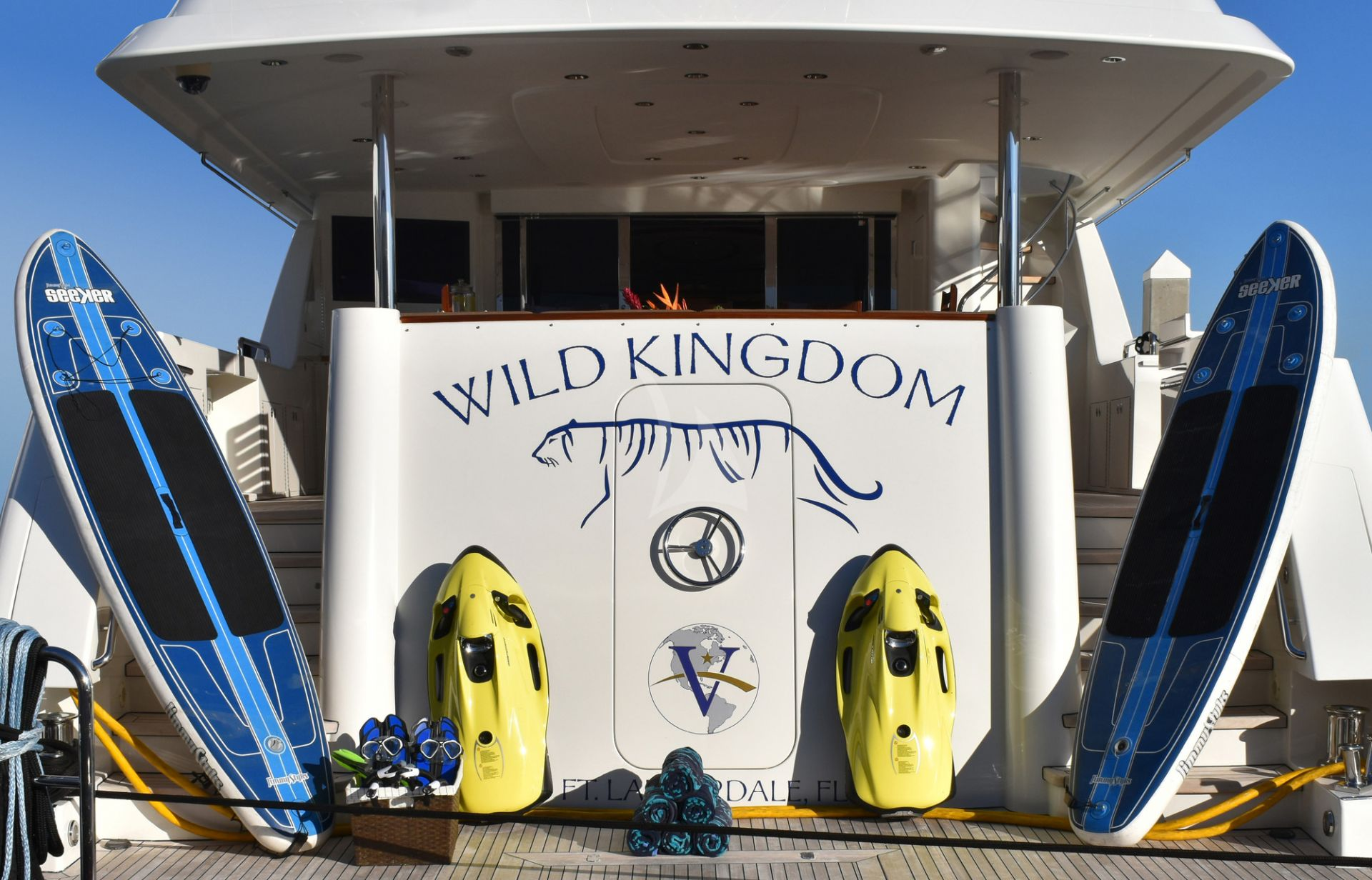 m/y wild kingdom yacht for charter water toys