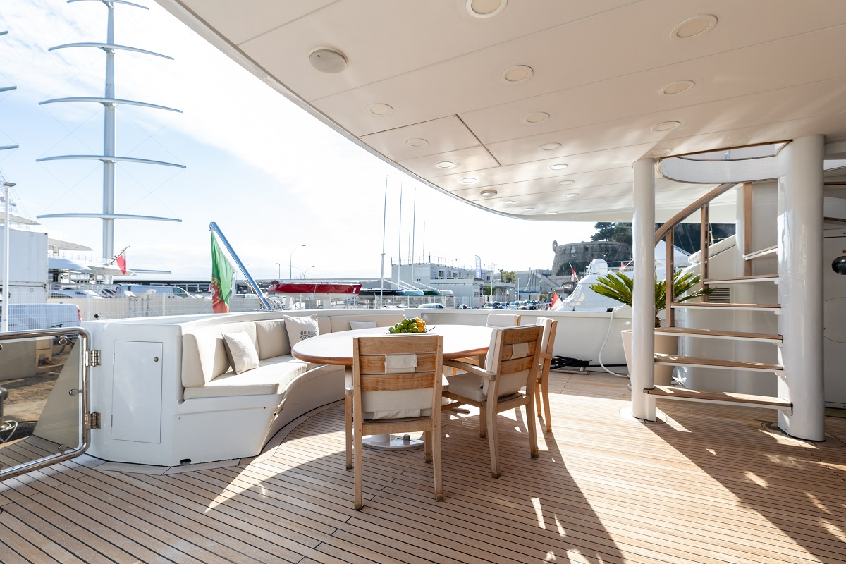 m/y palm b yacht for sale outdoor dining