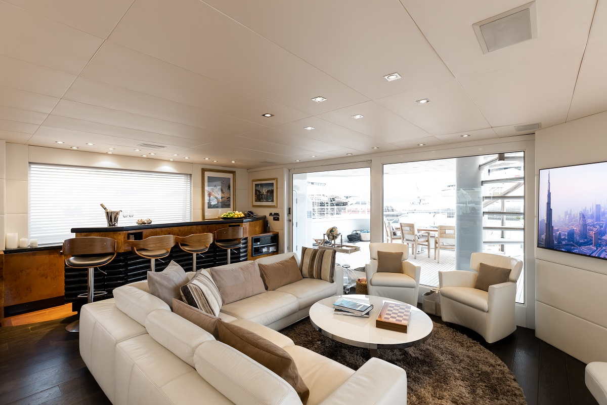m/y palm b yacht for sale lounge