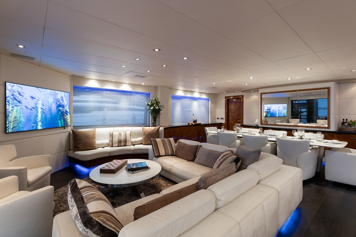 m/y palm b yacht for sale second lounge view