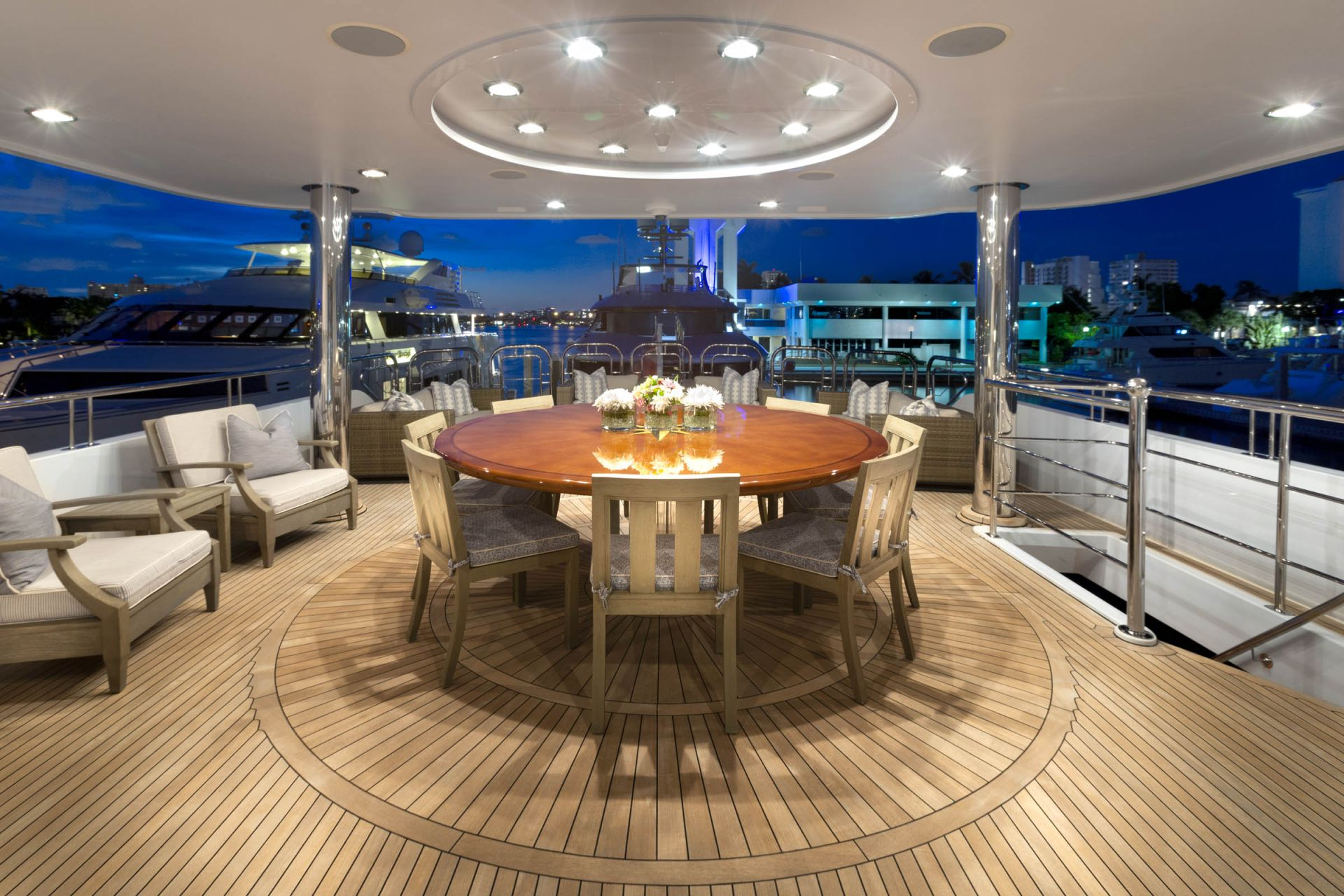 M/Y FAR FROM IT Yacht Dining Room