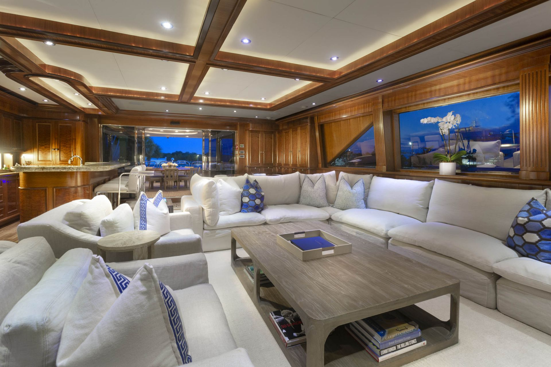 M/Y FAR FROM IT Yacht Living Room