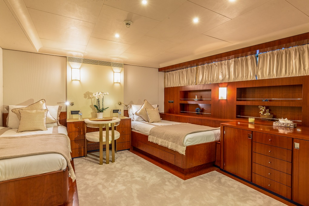 Twin Cabin Aboard M/Y Lucy III Yacht for Charter